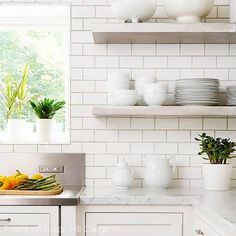 Try these easy style recipes that combine kitchen backsplash and countertop materials for a beautiful and personal cooking area. New Kitchen, Kitchen Dining, Kitchen Decor, Kitchen White, Stylish Kitchen, Kitchen Shelves, Kitchen Colors, Kitchen Backsplash, Backsplash Ideas
