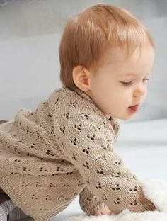 long-sleeved baby cardigan lace free knitting pattern. Size baby and children