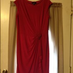 Fuchsia Fashion Dress Fitted dress/Rose & Flounce in front Dresses