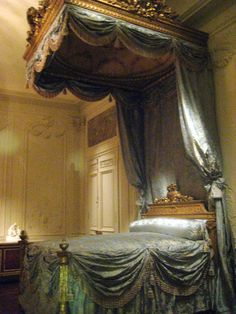If I was every royalty I would want this bed