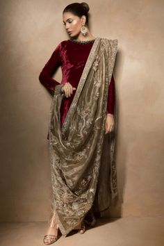 Pakistani Designer Dress Cost And Where To Buy Them In India? Party Wear Dresses, Dress Outfits, Fashion Dresses, Pakistani Dress Design, Pakistani Designers, Velvet Pakistani Dress, Indian Designer Outfits, Designer Dresses, Indian Dresses