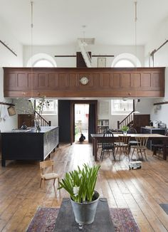 UK-based Jonathan Tuckey Design has remodelled a Grade II listed chapel in Wiltshire into a modern home for a young family. Chapel Conversion, Church Conversions, Church Interior, Interior And Exterior, Interior Design, Kitchen Interior, Room Interior, Lofts, Take Me To Church