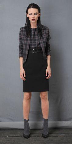 Giacca fantasia geometrica  Bella,comoda ed elegante. In abbinamento ci sono i pantaloni e la gonna a tubino. Taglia s.  https://www.lorcastyle.it