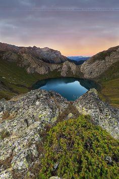 Lac de Bernatoire by Loïc Arnould