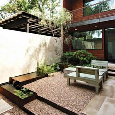 Water fountains for garden to decorate the house