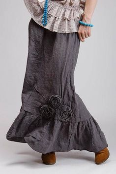 Chic Outfits, Pretty Outfits, Beautiful Outfits, Pretty Clothes, Fashion Tv, Boho Fashion, Fashion Dresses, Ladies Fashion, Linen Skirt