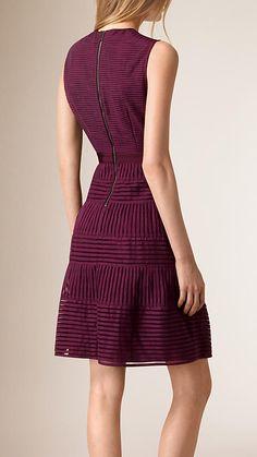 Borgoña intenso Vestido en malla a paneles Borgoña Intenso - Imagen 2