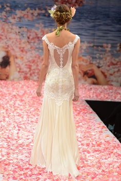 Claire Pettibone – Bridal Fall 2013    TAGS:Embroidered, Floor-length, White, Cream, Claire Pettibone, Lace, Silk, Classic, Romantic