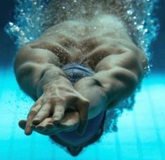 Image about swimmer in Sport by Adalie on We Heart It Swimming Diving, Keep Swimming, Triathlon, Swimming Pictures, Competitive Swimming, Swim Team, Underwater Photography, Swimming Photography, Lifeguard