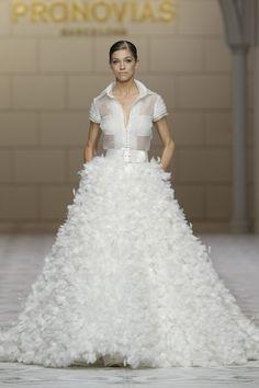 Vestidos de novia de Pronovias 2015 #boda #vestidos #pronovias