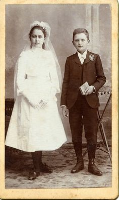 https://flic.kr/p/o3gBYk | Siblings - First Communion | CDV, around 1900 Photographer: Petrovich Ede Zilah, Kossuth tér 13. Transylvania/Hungary (Now Zalău, Romania) Activity: 1890-1911