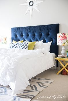 What a transformation – I will show you how to make an upholstered headboard and how to turn an old IKEA malm bed to a completely new bed. Ikea malm hack Source by jakonya Ikea Bed Headboard, Blue Headboard, Headboards For Beds, Upholstered Headboards, Ikea Beds, Cama Malm Ikea, Malm Bed, Headboard Designs, Headboard Ideas