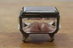 French Ormolu Jewelry Box - Cabootle