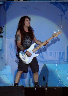 Iron Maiden - Steve Harris - Final Frontier Tour Iron Maiden, Rock, Art, Style, Fashion, Craft Art, Swag, Moda, Stylus