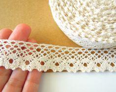 Crema crochet encaje algodón encaje de corte 25 mm.. Recorte el estilo vintage de ribete de encaje de algodón. Ajuste por la yarda de algodón crema. Vendedor de Reino Unido