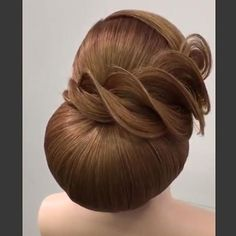 Bridal hair inspiration by Creative Hairstyles, Elegant Hairstyles, Up Hairstyles, Pretty Hairstyles, Wedding Hairstyles, Hair Up Styles, Natural Hair Styles, Peinado Updo, Competition Hair