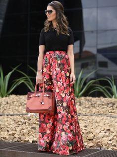 street-style-maxi-saia-floral-camiseta-preta-estilo