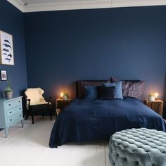 33 Epic Navy Blue Bedroom Design Ideas to Inspire You Navy blue is a highly soph. 33 Epic Navy Blue Bedroom Design Ideas to Inspire You Navy blue is a highly sophisticated color that would fit a bed Dark Blue Bedrooms, Blue Rooms, Navy Bedrooms, Master Bedrooms, Blue Bedroom Decor, Bedroom Colors, Navy Bedroom Walls, Bedroom Black, Navy Blue Walls