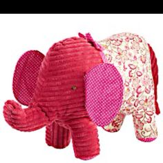 I absolutely love this pink elephant from Pier One. Want bad!!!