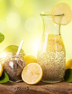 Chia seeds have numerous health benefits such as weight loss and boosting heart health. Find out how consuming chia seeds for weight loss works. Best Weight Loss Plan, Weight Loss Detox, Weight Loss Drinks, Diet Plans To Lose Weight, Weight Loss Smoothies, Losing Weight, Super Dieta, Chia Seed Recipes For Weight Loss, Full Body Detox