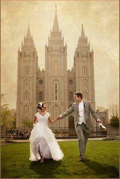 El matrimonio es la relación más sagrada entre un hombre y una mujer...