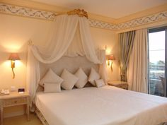 Portuguese master room
