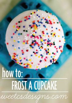 Learn the easiest way to frost a cupcake for your next summer party with this Poured Icing tutorial!
