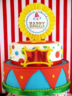 Circus carnival Party Ideas with so many cute DIY details and easy decorations you can copy at home! - Blog.BirdsParty.com