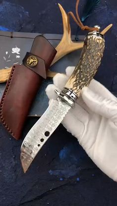 Imitation deer horn handle Damascus steel forge camping straight blade outdoor survival tactics of. the best collector knives.