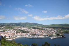 Cidade de Angra do Heroísmo, ilha Terceira. ◆Açores – Wikipédia https://pt.wikipedia.org/wiki/A%C3%A7ores #Azores