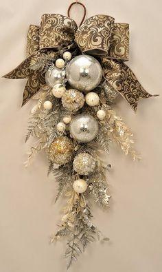 MENTŐÖTLET - kreáció, újrahasznosítás: Elegáns karácsonyi ajtódísz