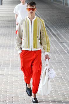 Phillip Lim - Men Fashion Spring Summer 2014 - Shows - Vogue. Fashion Brands, Fashion Show, Mens Fashion, Fashion Design, Paris Fashion, Runway Fashion, Yohji Yamamoto, Issey Miyake, Rick Owens
