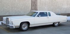 77 Lincoln Town Coupe - http://www.gucciwealth.com/77-lincoln-town-coupe/