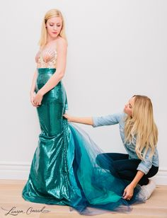 Maybe next year? Wish i could pull this off! Lauren Conrad& DIY Mermaid Halloween Costume easy to make and so cute Mermaid Halloween Costumes, Fete Halloween, Halloween Costumes For Teens, Easy Halloween Costumes, Diy Costumes, Costume Ideas, Mermaid Costume Kids, Halloween College, Creative Costumes