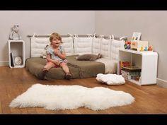 How to arrange a child& bedroom according to the Montessori pedagogy Baby Bedroom, Kids Bedroom, Room Baby, Montessori Toddler Bedroom, Home Decor, Images, Montessori Materials, 18 Months, Room Ideas