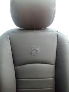 Silla Dodge Ram. Logo insignia de el Carnero. Dodge, Massage Chair, Home Decor, Badges, Chairs, Hipster Stuff, Decoration Home, Room Decor, Home Interior Design