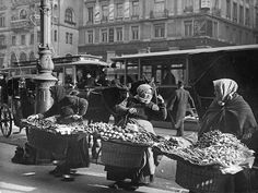 Extraordinary Candid Vintage Photographs That Capture Street Scenes of Vienna, Austria From the and ~ vintage everyday Old Pictures, Old Photos, Vintage Photographs, Vintage Photos, Satisfying Photos, Documentary Photographers, Women In History, Ancient History, Historical Pictures