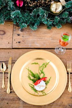 Dinner plate Christmas holiday setup table set decor gold ruby red emerald green table settings greenery & Dinner plate Christmas holiday setup table set decor gold ruby red ...
