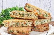 Resep Crackers Ragout Ayam Sayur Ala Rumahan By Crackers, Catering, Food And Drink, Meat, Chicken, Beef, Pretzels, Catering Business, Biscuit