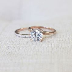 Loving this Round Cut Diamond Hybrid! Loving this Round Cut Diamond Hybrid! The post Loving this Round Cut Diamond Hybrid! appeared first on Ohrringe ideen. Wedding Rings Simple, Wedding Rings Solitaire, Diamond Solitaire Rings, Gold Wedding Rings, Bridal Rings, Wedding Jewelry, Gold Rings, Wedding Bands, Tiffany Solitaire