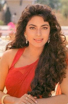 Here is a collection of bollywood actress Juhi Chawla's Hot & Sexy Images. Unseen, Rare and Childhood Photos of Juhi Chawla Bollywood Pictures, Bollywood Actress Hot Photos, Beautiful Bollywood Actress, Beautiful Indian Actress, Bollywood Fashion, Beautiful Actresses, Bollywood Outfits, Vintage Bollywood, Indian Celebrities