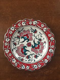 """The word """"ceramics"""" comes form the Greek word """"keramikos"""", which means pottery. The origin of the Greek word means potter's clay and ceramic art directly … China Painting, Tole Painting, Ceramic Painting, Pottery Painting Designs, Cup Art, Turkish Art, Blue Pottery, Art Carved, Plate Design"""