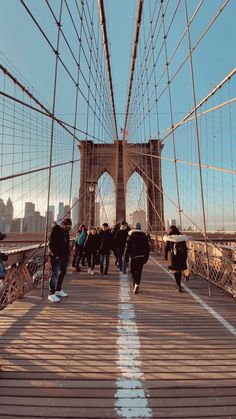 Sunset Photography, Travel Photography, New York Travel Guide, Nyc Fall, Road Trip Usa, Travel Aesthetic, Brooklyn Bridge, Travel Quotes, Adventure Travel