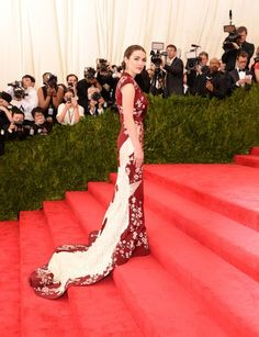 Bee Shaffer at the 2015 Met Ball 2015 // #style