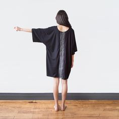 Minimalist dress for the Everyday Traveler. Ethically made in Canada with sustainable and eco friendly materials.