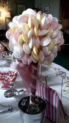 Flying saucer sweet tree Sweet Trees, Flying Saucer, Wedding Ideas, Fruit, Children, Cake, Bricolage, Young Children, Boys