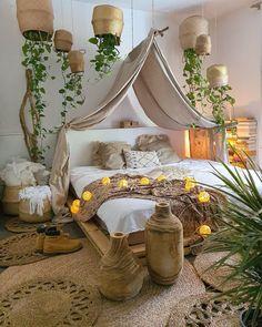 Room Design Bedroom, Boho Bedroom Decor, Room Ideas Bedroom, Bedroom Colors, Cozy Bedroom, Bedroom Inspo, Interior Design Small Bedroom, Bohemian Decor, Deco Boheme Chic