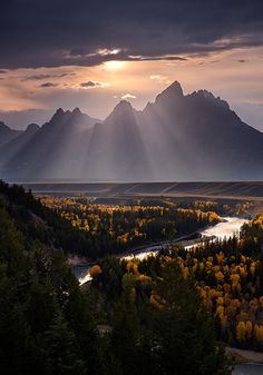 The Snake River with a great view of the Grand Tetons