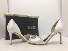 22d224931909 Badgley Mischka White Satin Dana Women s Evening High Heels Pumps Formal Shoes  Size US 6 Regular (M