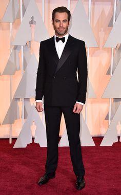 Chris Pine in Giorgio Armani at the Academy Awards 2015   #2015Oscars #redcarpet #bestdressed